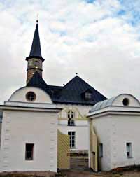 Сторожки у ворот Приоратского дворца в Гатчине